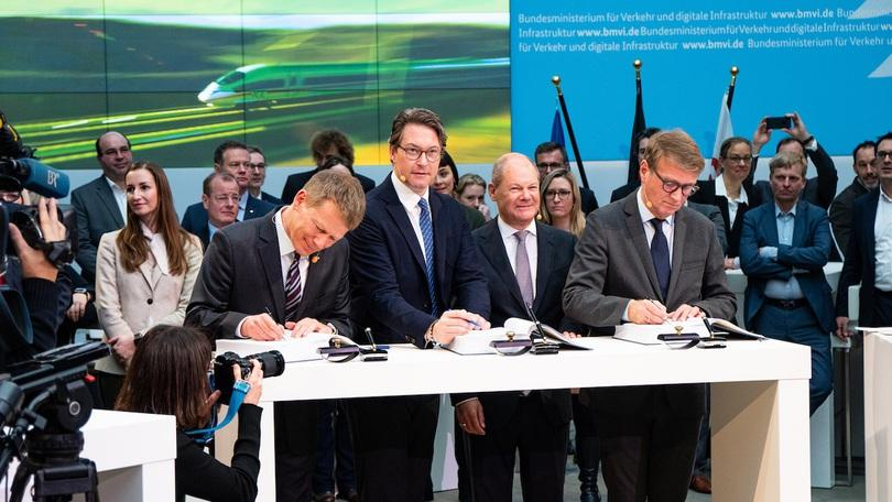 Signing of the new service and financing agreement