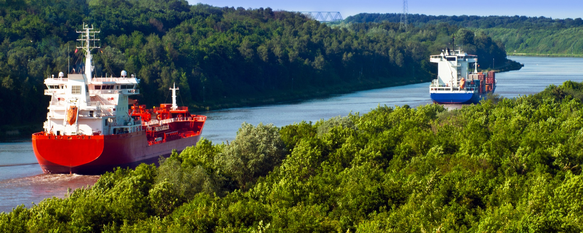 One of the measures stipulated in the FTIP is the deepening of the Kiel Canal. Source: Fotolia/PhotoSG